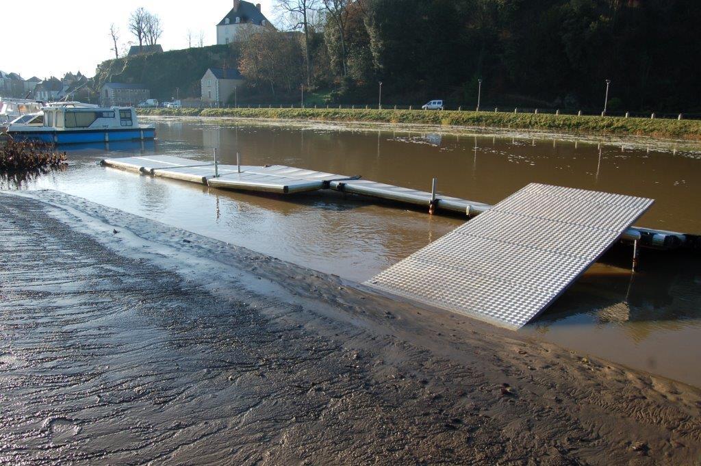 les pontons canoë-kayaks
