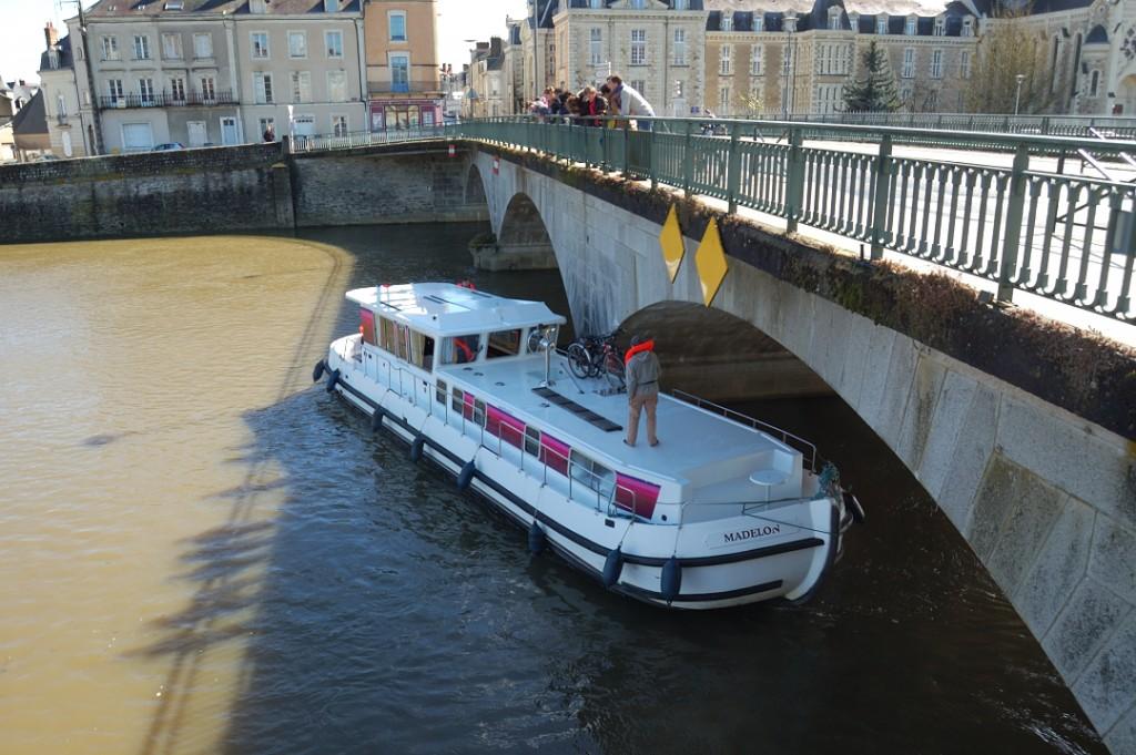 Madelon Canalous sur le vieux pont sauvetage lundi de Pâques 2016
