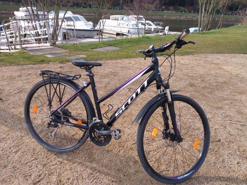 Vélo VTC femme SCOTT