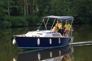 bateau )à pédaliers de Canotika avec couchettes le Blue-Note